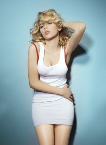 scarlett-johansson-top-sexy