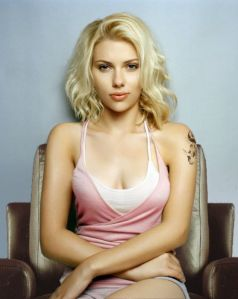Scarlett_Johansson-chicki-chickipedia-stunning-before-skin-after-soft-eyes-lovely-hot-lips2-nude-pics